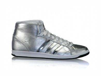 Kotníkové boty adidas pro rok 2010 (http   www.botyaobuv.cz 7e0d5fe6059