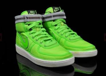 Dámské kotníkové tenisky Nike pro rok 2010 (http://www.botyaobuv ...
