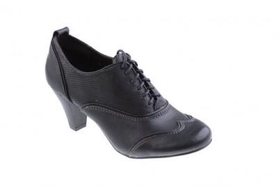 Boty na podpatku CCC  Žijte si na vysoké noze! — Botyaobuv.cz f9ac5401c5